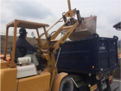 汚泥回収作業