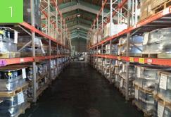 梱包事業部の作業風景1